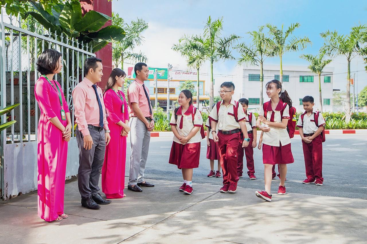 Tuyển sinh tiểu học tại trường Hoa Sen